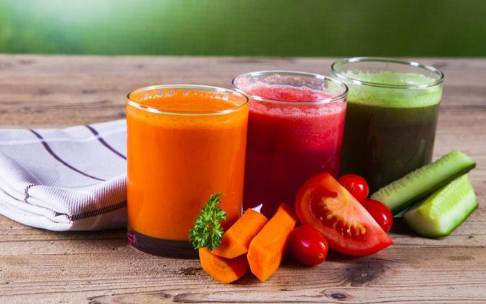 Suco Detox de Cenoura, Tomate e Couve
